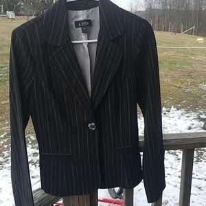 💛 Black dress jacket w/ white pinstripe
